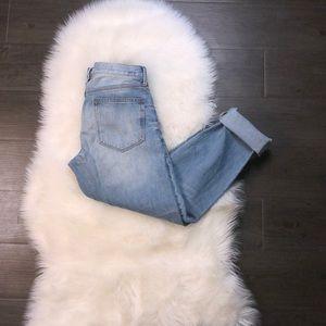 GAP sexy boyfriend jeans light wash  27Tall